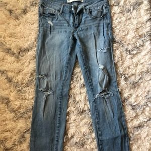 ABERCROMBIE AND FITCH light wash super skinny jean